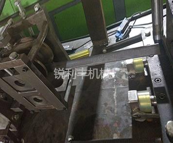 角铁成型机